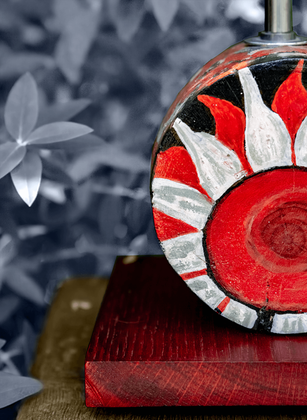 Lámpara Flor detalle - Un detalle de la Base de Lámpara de madera de Castaño, pintado motivo Flor - Yolpiq/015 -dn