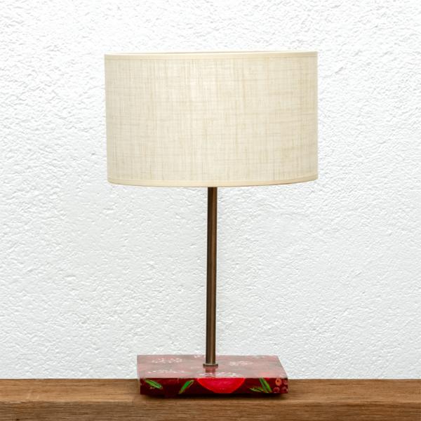 Lámpara Granadas - Lámpara de mesa, de madera de Castaño, pintado con motivos Granadas y Pantalla de Lino. Yolpiq/066 -dn