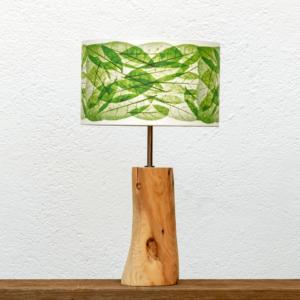 Lámpara Marfíl Hojas Verde - Lámpara de mesa, de madera de Enebro natural con Pantalla Hojas Verdes - Yolpiq/072 -dn