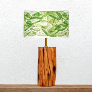 Lámpara Negra Hojas verdes - Lámpara de mesa Negra, de madera de Enebro en estado puro, encerada, con Pantalla Hojas verdes - Yolpiq/053 -dn