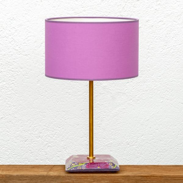 Lámpara Violeta2- Base de Lámpara pintado con motivo flores en tonos violetas con Pantalla violeta - Yolpiq/069 de Diseño Natural.