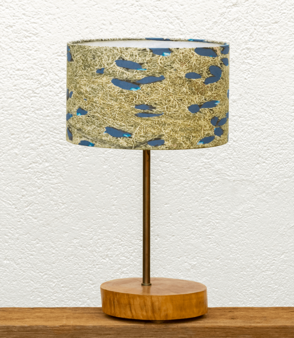 Lámpara Atlantico pantalla-Violetas - Yolpiq/028 Base de Lámpara de madera de Nogal natural con Pantalla Violetas - dn