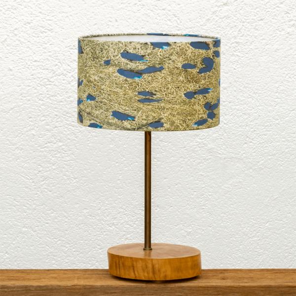 Lámpara Atlantico Violetas-Una Base de Lámpara de madera de Nogal con Pantalla violetas - Yolpiq/028 dn