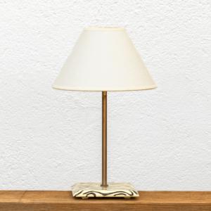 Lámpara Cebra pantalla Blanca- Lámpara de mesa Cebra blanco y negro, de madera de Castaño y Pantalla blanca -Yolpiq/070 - dn